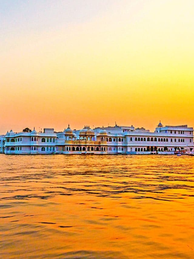 WATCH: Top 10 MUST-SEE Places in Udaipur